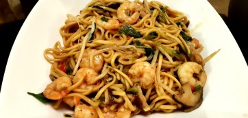 Noodles with Shrimps and mushrooms in Soy Sauce