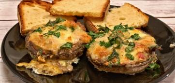 Easy Portobello Mushrooms Stuffed with Cheese and Bacon
