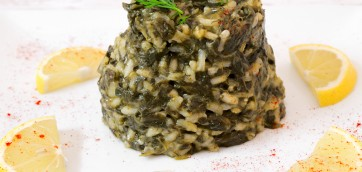 Spinach and Dill Risotto (Greek Spanakorizo)