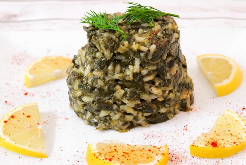 Spinach and Dill Risotto (Greek Spanakorizo)