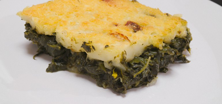Spinach Pie with Corn Flour Topping (Easy Spanakopita)