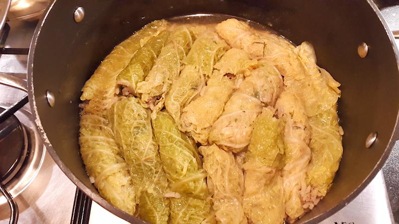 Greek Stuffed Cabbage Rolls (Lahanodolmades)