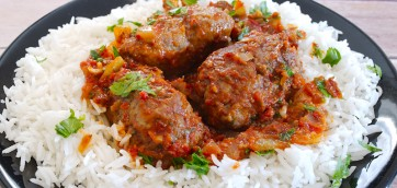 Greek Meatballs in Tomato sauce (Soutzoukakia)